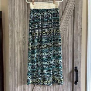 L Large 11-13 Green Tribal Pattern Maxi Skirt